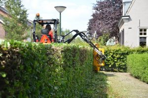 Tobroco Giant Arm Mower with Mulching Unit